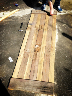 Preparing the pallet tabletop